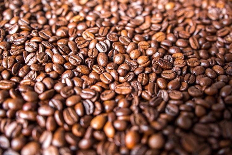 desodorante-antitranspirante-diferenças-café