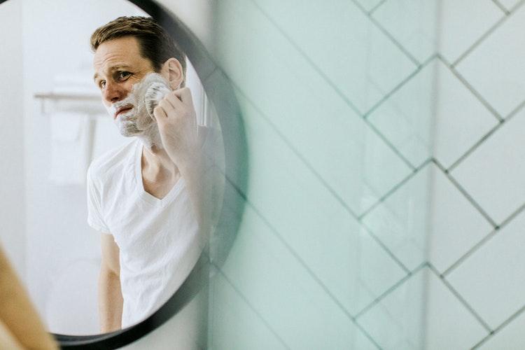 como-fazer-a-barba-em-casa-como-um-profissional