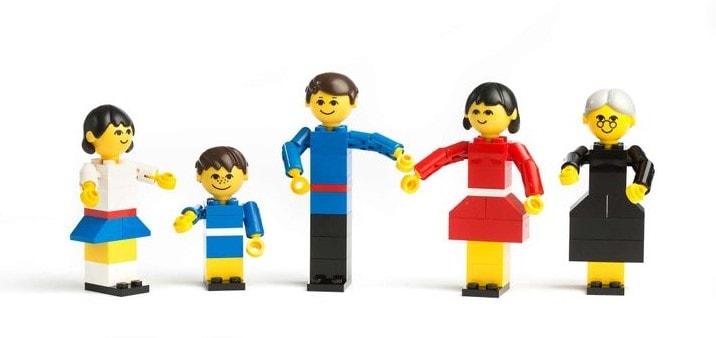 origem-do-lego-primeiros-bonecos1
