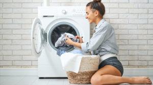 como separar roupas para lavar